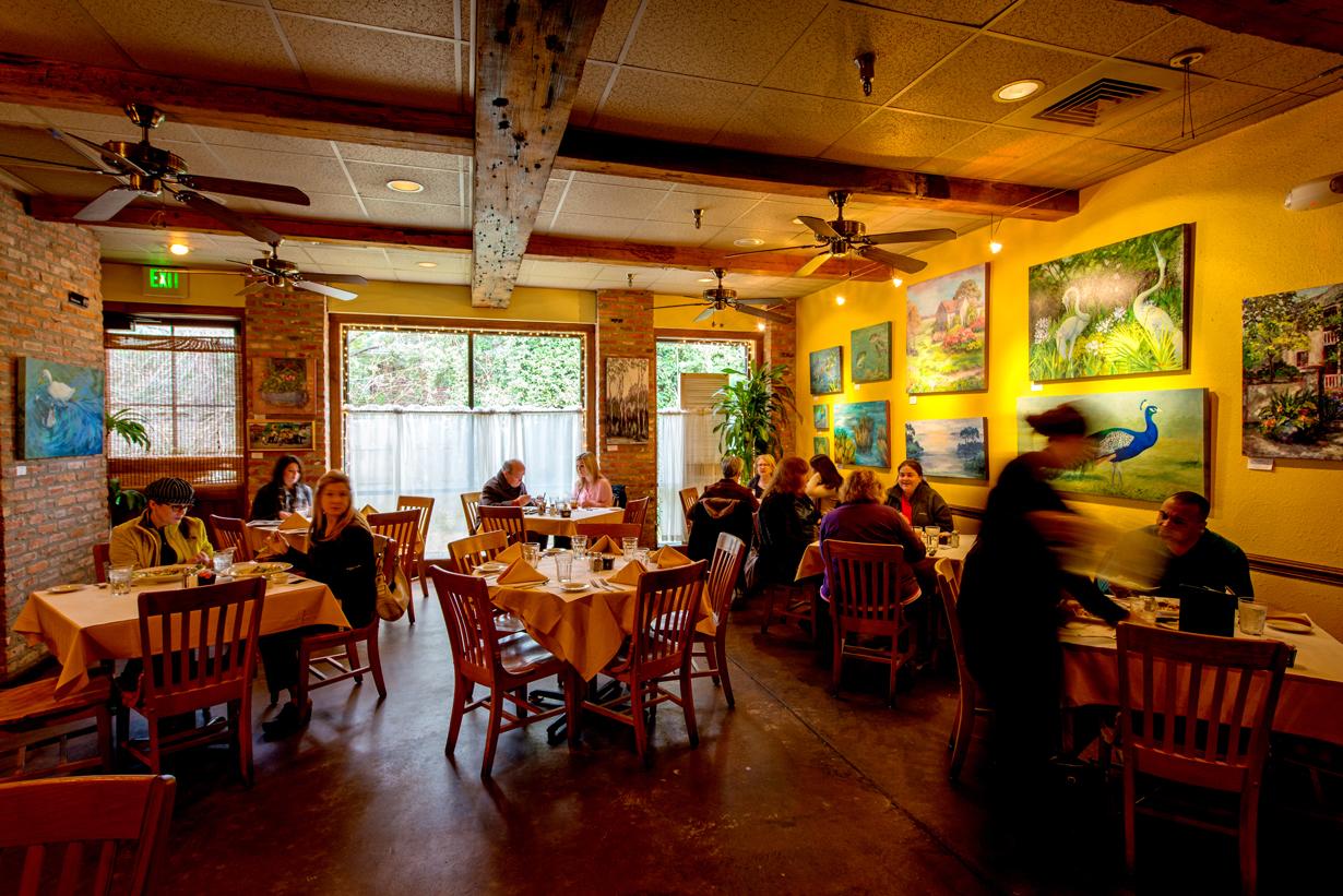Restaurant Review  French Market Bistro -  225  d27e4c8d83cb