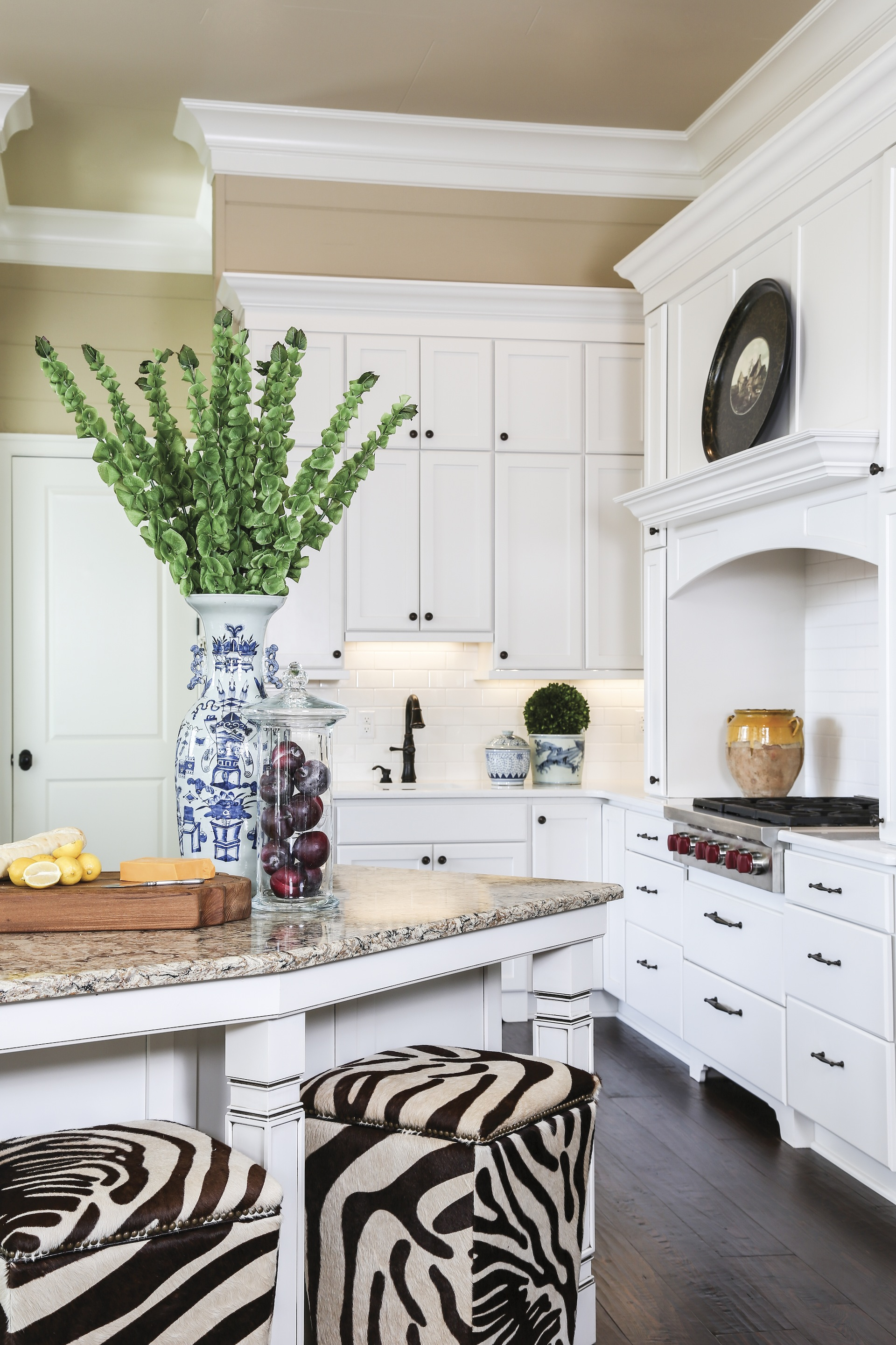 Tour a Baton Rouge couple\'s Southern vacation home - [225]