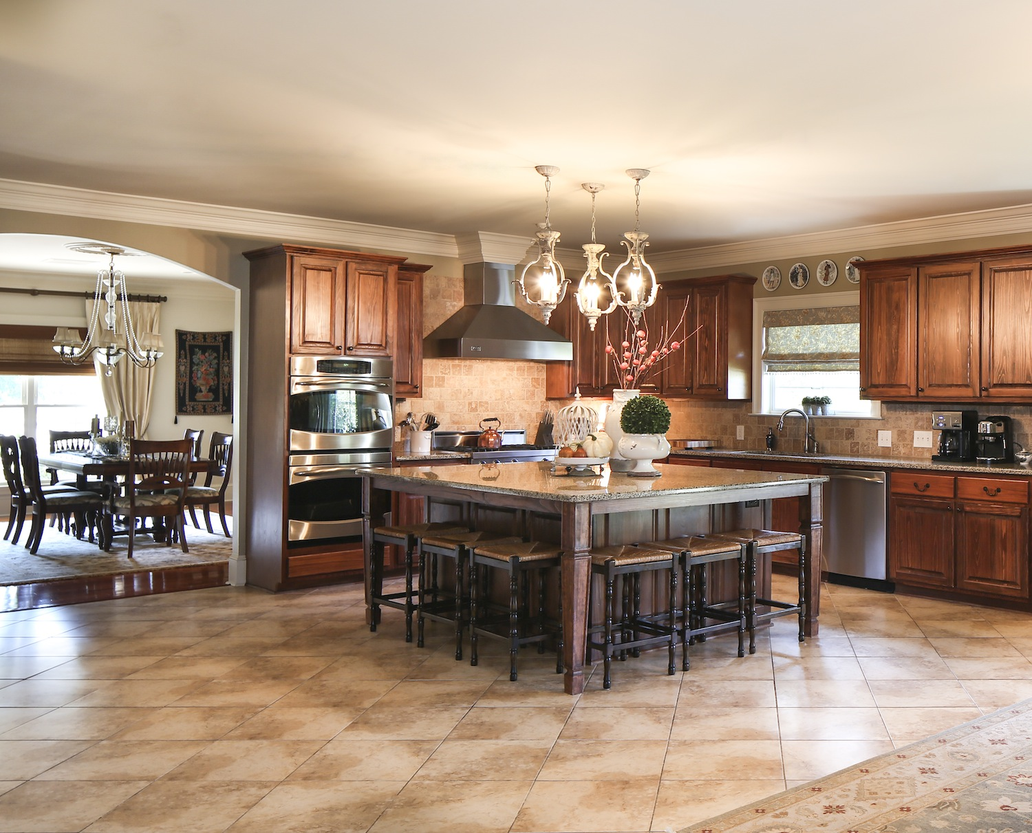 Family jewel inregister for Large family kitchen
